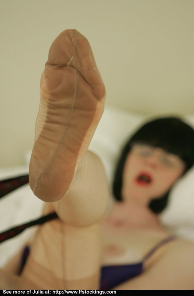 Stocking Tease - sexy black stockings, nude stocking divas