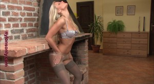 hot blonde in layered nylons_0041