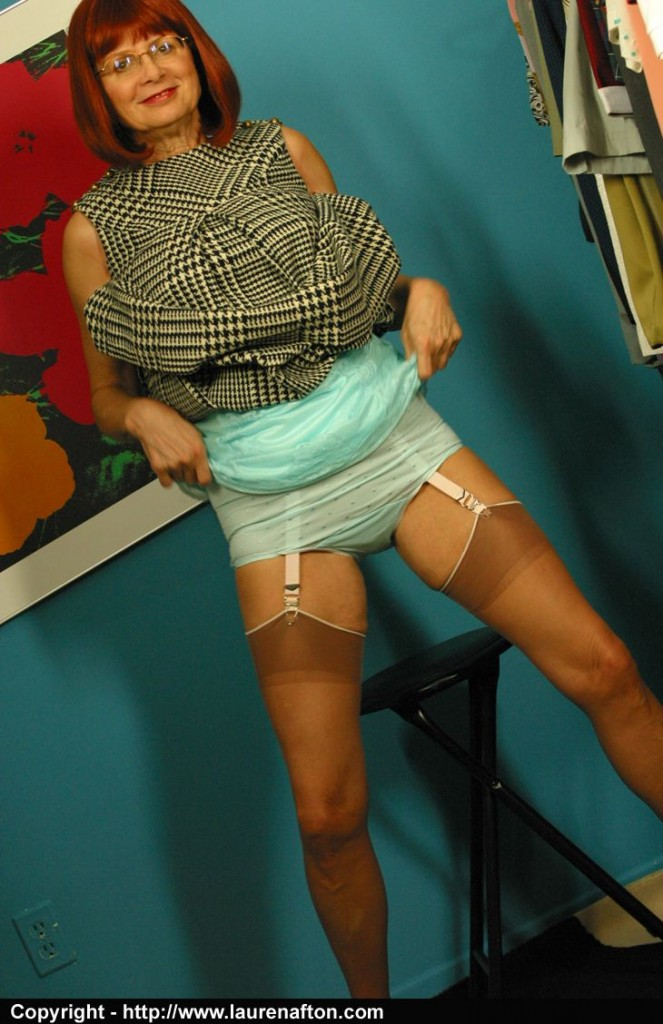 Lovely mature lady with fire between legs 5