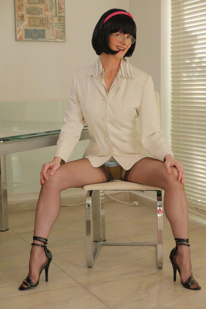 full2 Victoria Sweet, Garter Belt, Stockings, Bra and Panties