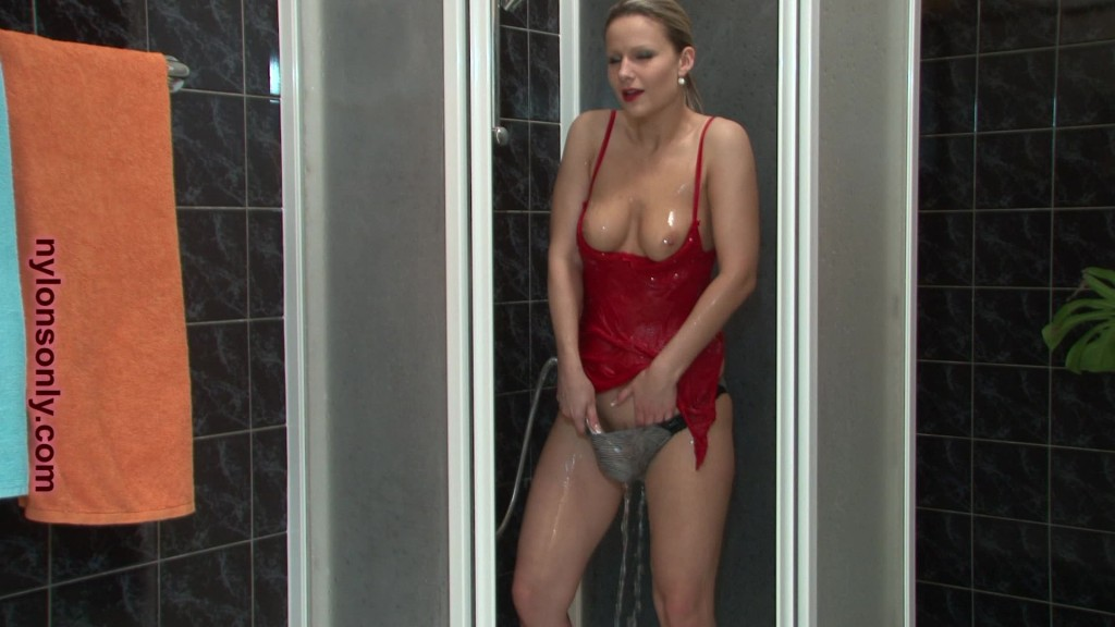 soaked and slippery samantha jolie_0053