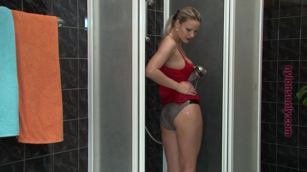 soaked and slippery samantha jolie_0072