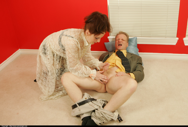 cfnm dirtyangie shows off her handjob skills the
