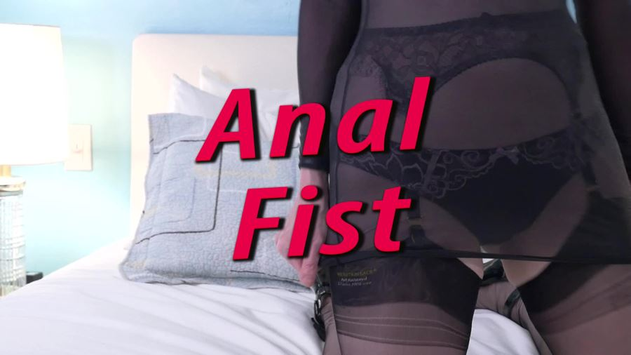 And blow fist anal nice