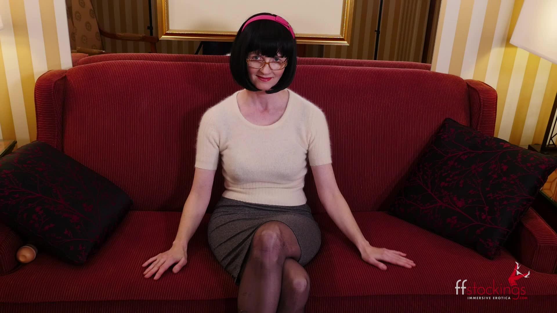 julia the naughty teacher in stockings